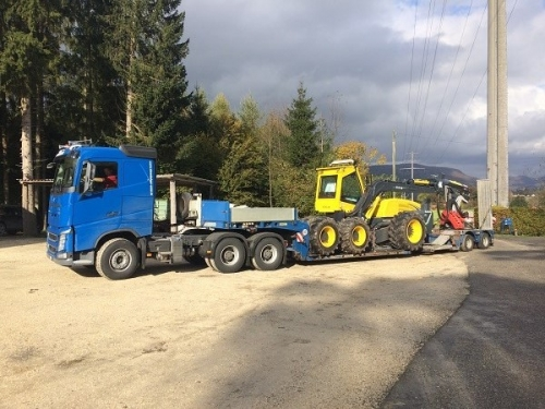Volvo FH mit Timbertrailer TS20